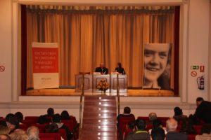 Foto general del escenario en el Encuentro Fe Cristiana y Servicio al Mundo de 2016