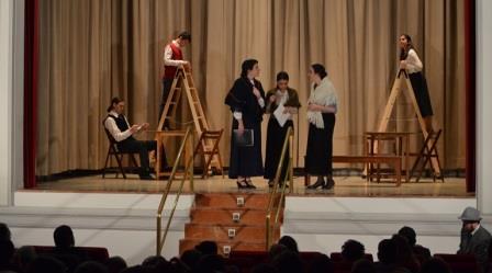 Representación de teatro en Madrid por La Pequeña Compañía, Nuestro pueblo, de Thornton Wilder