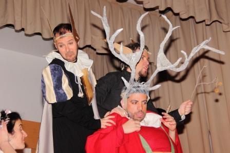 """Foto del Acto Cultural del XI Encuentro FCSM, en marzo de 2016. Obra de teatro """"Las alegres comadres de Windsor"""" de Shakespeare, por La Pequeña Compañía"""