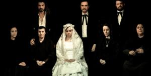 Representación de Bodas de sangre, de Lorca, en el Teatro Karpas