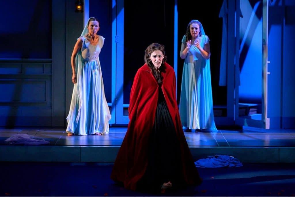 """Escena de la obra de teatro """"La dama duende"""", de Calderón de la Barca, de la Compañía Nacional de Teatro Clásico"""
